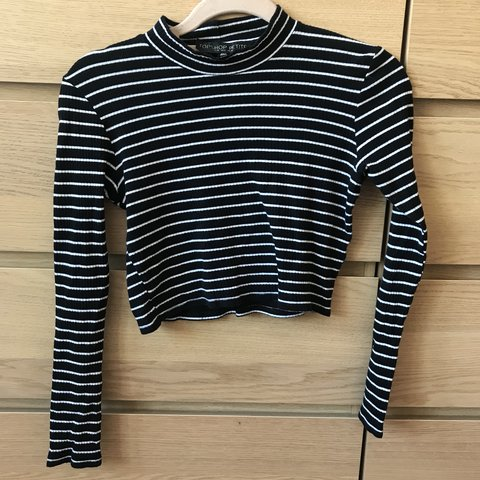 3e38f1434f4 @kiragoode. 10 months ago. United Kingdom. Topshop black and white striped  cropped long sleeved t shirt ...
