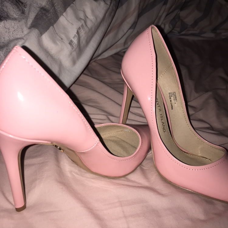 81d80f51fbd River island baby pink patent court shoes size 5,... - Depop