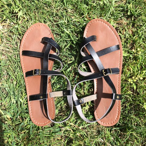 c53268eab83b Mossimo sandals from Target Size 10 Light wear - Depop
