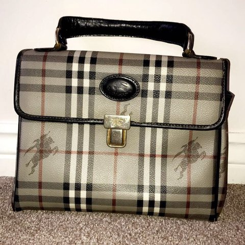 cd8e96bd4cd1 Genuine vintage Burberry bag 17 years old Handle is not to - Depop