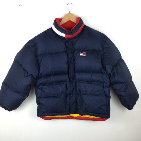152ceb5a9d5 ✨ the NICEST vintage 90s Tommy Hilfiger puffer 😩🔥✨• navy • - Depop