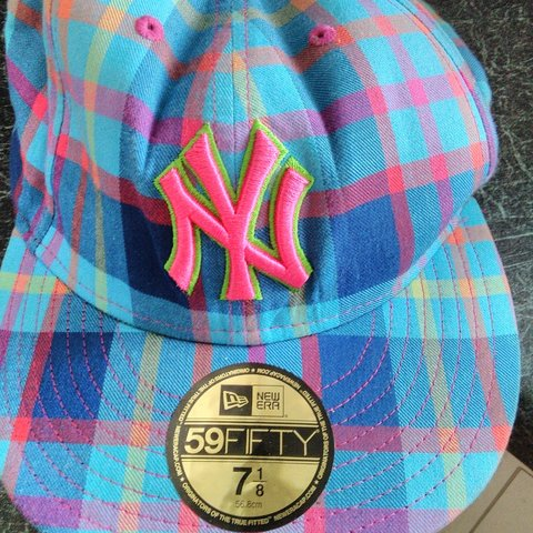 f15decb5 New York Yankees hat in good confition!! Smoke free home. - Depop