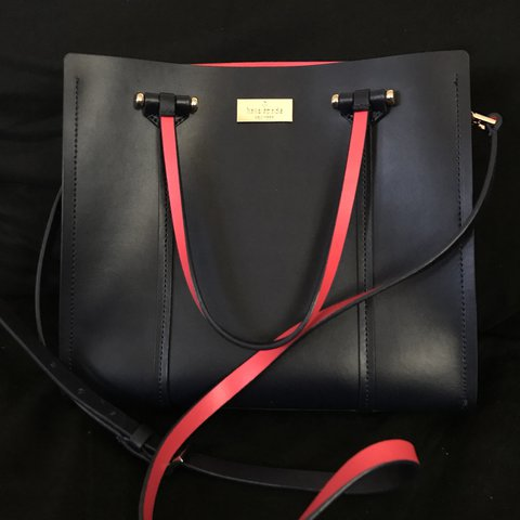 b9ef8059a Authentic Used Kate spade. Brough it from the Kate spade a a - Depop