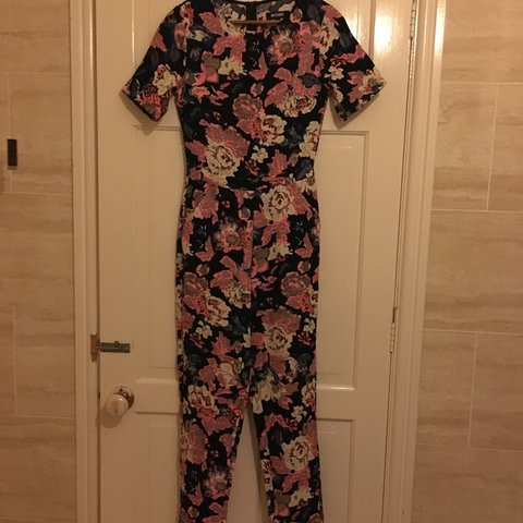 fcf4dade1329  missguided REDUCED!!floral jumpsuit
