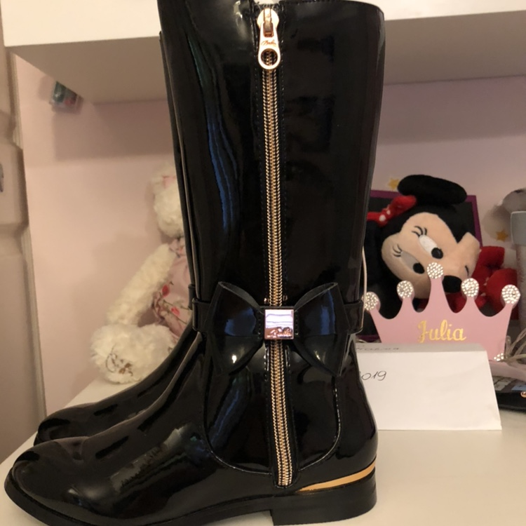 BNWT ted baker girls boots size 12 paid