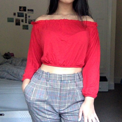 70e83607c33fa6 🌹 RESERVED FOR  sophielouised 🌹 💃🏻 red off shoulder top - Depop