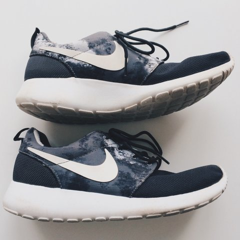 de9f6d6d493c Nike Roshe One trainers