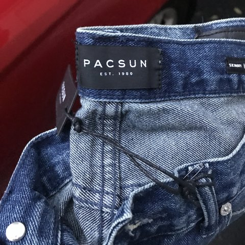 948e301b53 @skspies. 3 months ago. Annapolis, United States. Brand new. Never worn.  PacSun Moto denim jean shorts. Size 31. Still has tags.
