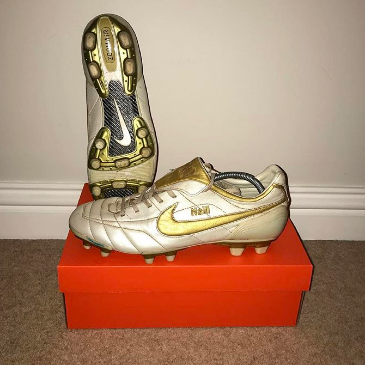 reputable site ef760 bde82 Nike tiempo air legend r10 touch of gold size 11 uk... - Depop