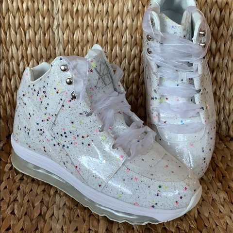 0d626f895ee EUC White Qozmo Aiire confetti sneakers with light up soles - Depop