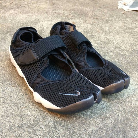 sports shoes b5791 a3bd1  gg12345. 2 years ago. Womans nike air rift br