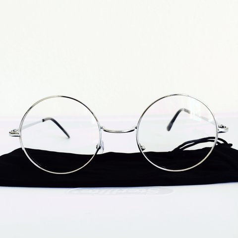 1e92ead500960 CLEAR VINTAGE SILVER ROUND LENS GLASSES WITH METALLIC FRAME - Depop