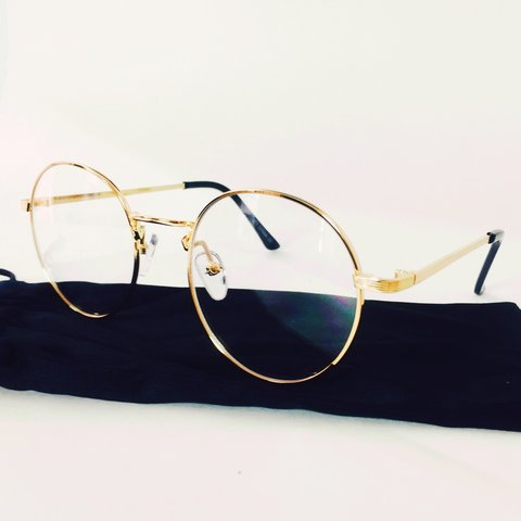6a346570a20a9 CLEAR VINTAGE GOLD ROUND LENS GLASSES WITH METALLIC FRAME in - Depop