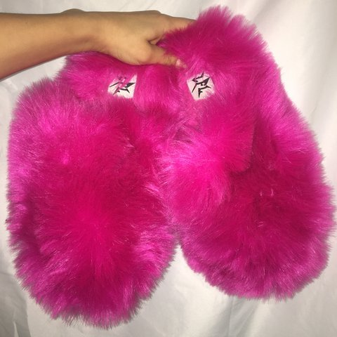 ede9fce986fc Hot pink fuzzy slippers. So comfy!!! 👛👚 ❗ ❗ ❗️Never - Depop