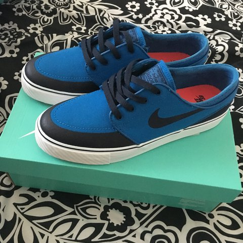 cheap for discount 01875 e8f30  moniqueyun. 2 years ago. California, USA. NEVER WORN Nike Zoom Stefan  Janoski PR SE Military Blue Obsidian-white Shoes ...