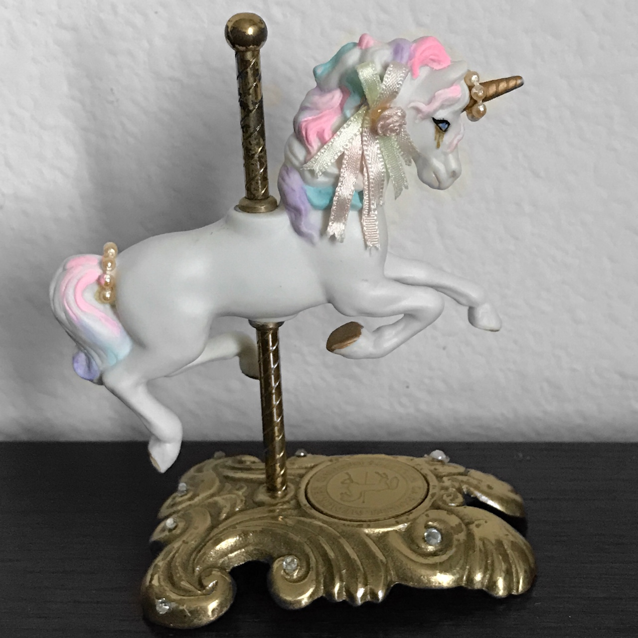 Aesthetic The Unicorn Is A Tumblr Unicorn Who Just Depop