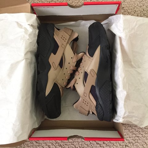 purchase cheap adf1a b4019 sabriiina. 7 months ago. United States. Blackdesert camo Nike air  huaraches ...