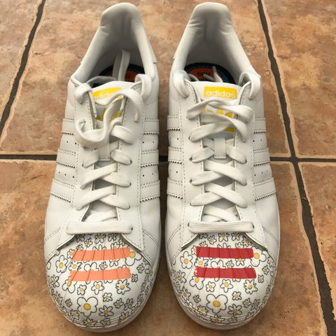 Adidas Superstar Pharrell Williams Size 9