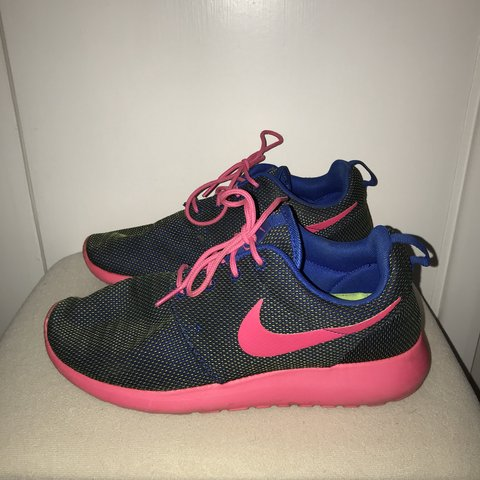 0cfd2f610a62 ... sale size 6 womens nike roshe runs navy blue and green yellow depop  3d360 7f46f
