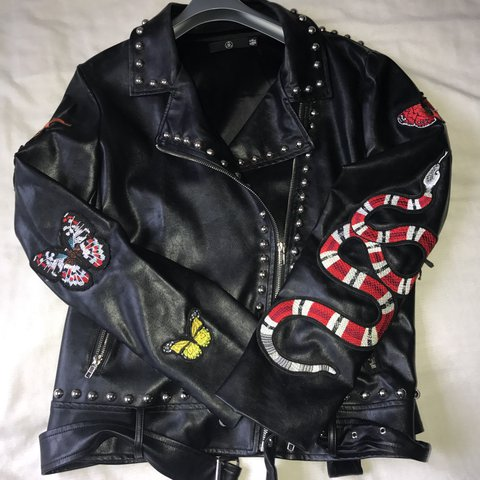 74bfe5ac10e1 Missguided black studded leather jacket with gucci snake and - Depop