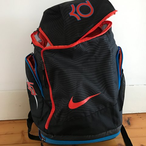 645ce2b339e1 ... Black Nike Kevin Durant backpack Can fit a pair of shoes in Depop