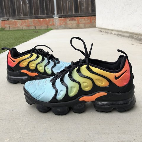 eff6587347bb1 RARE    Air VaporMax Plus with an ombré airbrushed Size 9 - Depop