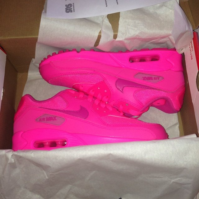 7007f5437a @carlyxtx. 5 years ago. London, UK. Brand new in box Nike Air max 90 2007  (gs) hyper pink/vivid ...