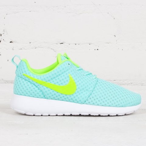 2aff6d2f8fae Yellow and green neon Nike roshe run Size UK6 Worn a good in - Depop