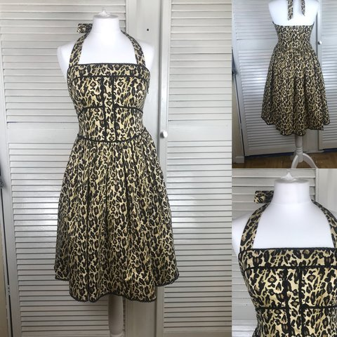 0fc6bb4db2e PRICE DROP retro vintage 50s style leopard print with in to - Depop