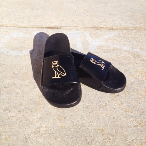 4cf28290e2d8a OVO October s Very Own Owl Slides Sandals Size  9 Brand New - Depop