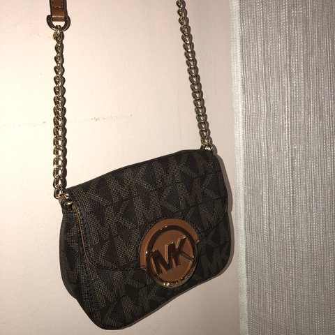 4bd5851e3ce3 Micheal Kors chain crossbody!  MK  MichealKors  luxury  bags - Depop