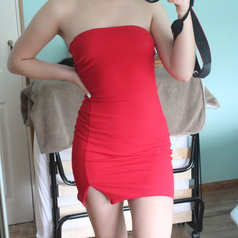 fbfa82ef231 Red bodycon bandeau dress. Brought a while ago but haven t - - Depop