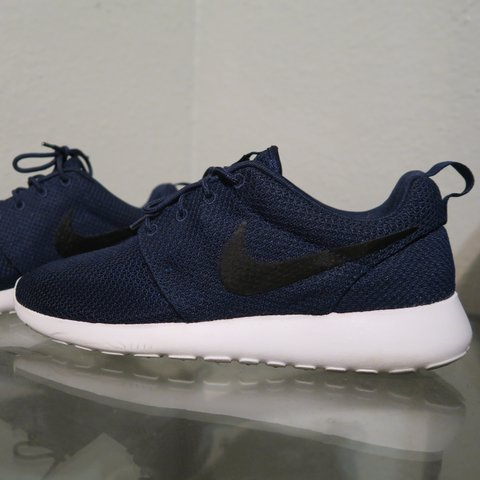 newest 674b0 13047  deelusion. 3 years ago. Torrance, CA, USA. Nike Roshe One Shoes (Navy Black  White).