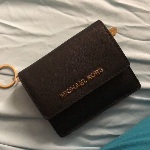 78f3fee68c9e83 @llforeverxx. 4 months ago. Stone Mountain, United States. New michael kors  keychain wallet in black!