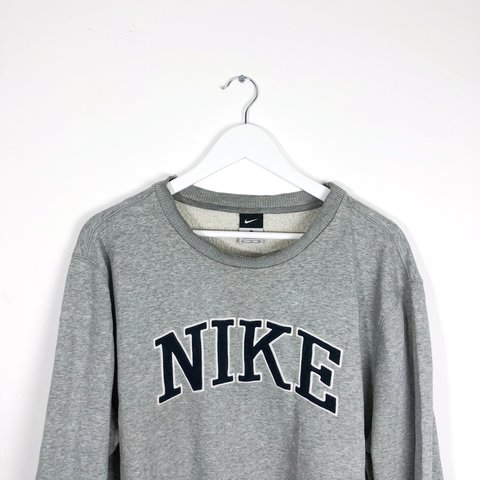 255aba03 NIKE GREY SPELLOUT SWEATER TOP! * Size: XL * Fits true to - Depop