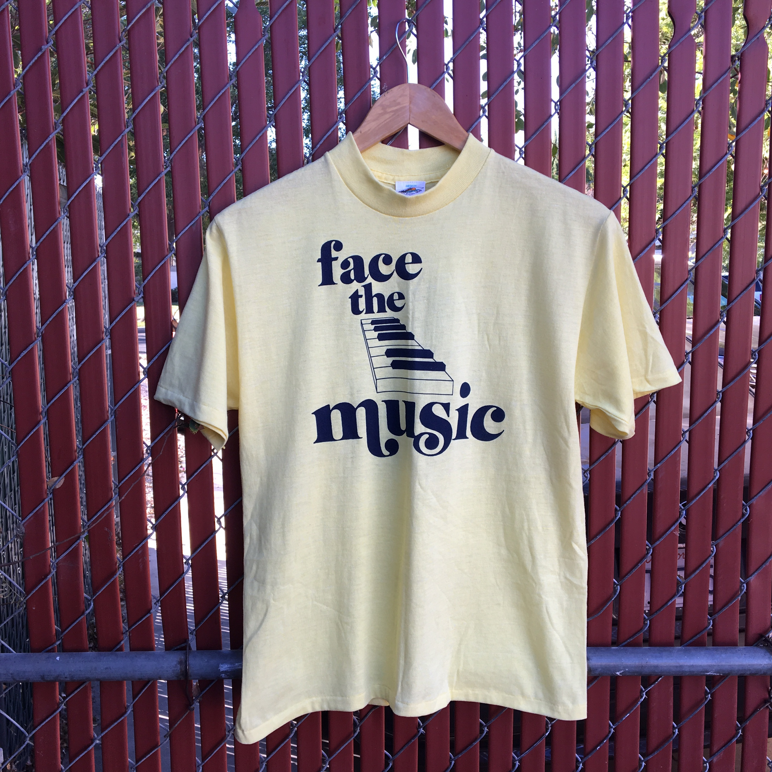 Vintage 70s Face the Music TV game show T shirt     - Depop