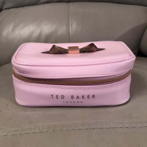 ffa9ff465 Ted Baker travel jewellery case box Small mark pictured - Depop