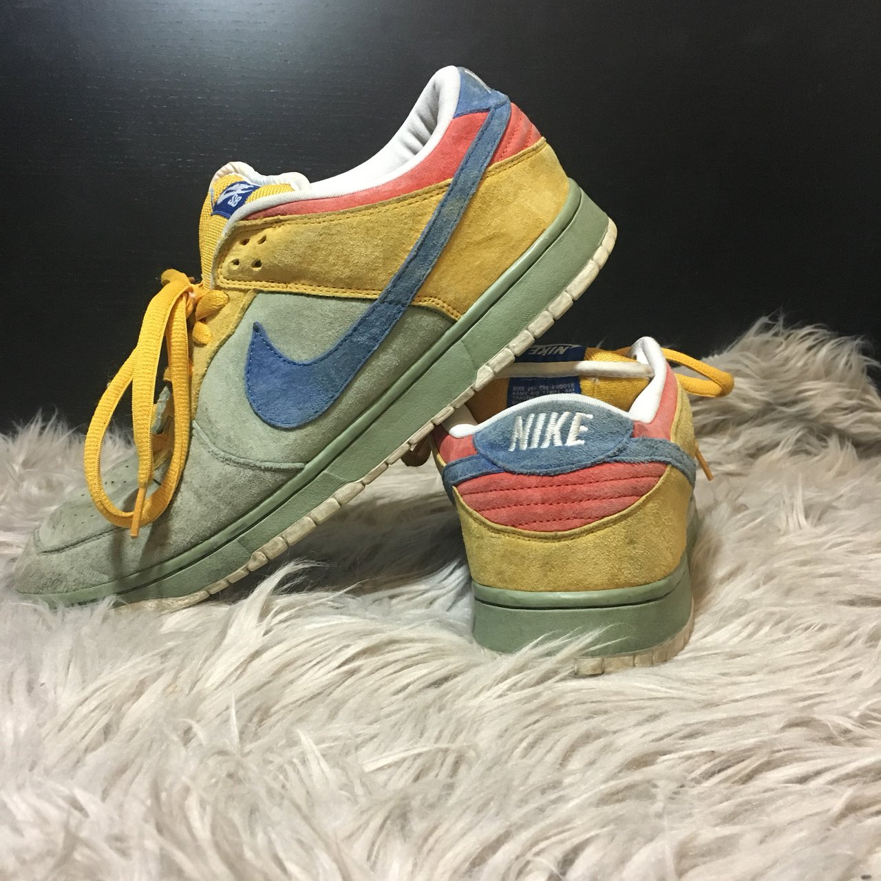 newest 9e34b 489b6 NIKE DUNK SB LOW PREMIUM SB PUFF N STUFF Visible signs of a