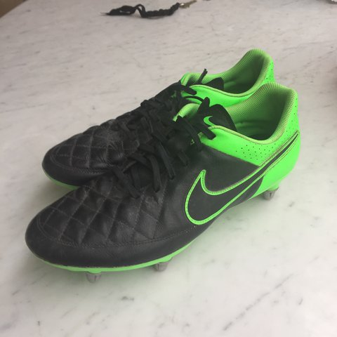 71fbf8521d9e NIKE TIEMPO GENIO LEATHER SG. Worn about 4 times and still - Depop