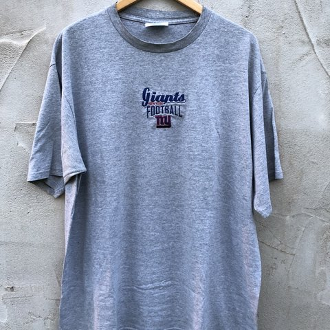 ad1ab1f35 Vintage New York Giants T-shirt Size XL Embroidered 9 10 - Depop