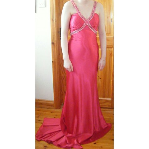 8be38a2b5377 Cerise Pink Debs Dress with Trail. Originally a size 10 but - Depop