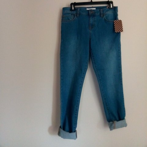 6b6dcc4be7 NWT vans womens size 5 skinny fit jeans. Purchased from the - Depop