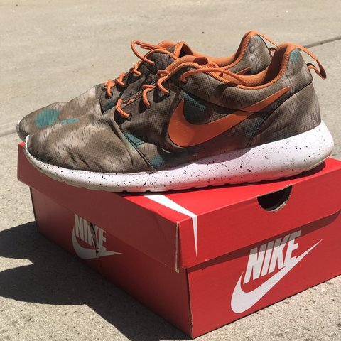 cheaper 52a55 3e903  niquesheat. last month. Charlotte, United States. Nike Roshe Run. Men s ...