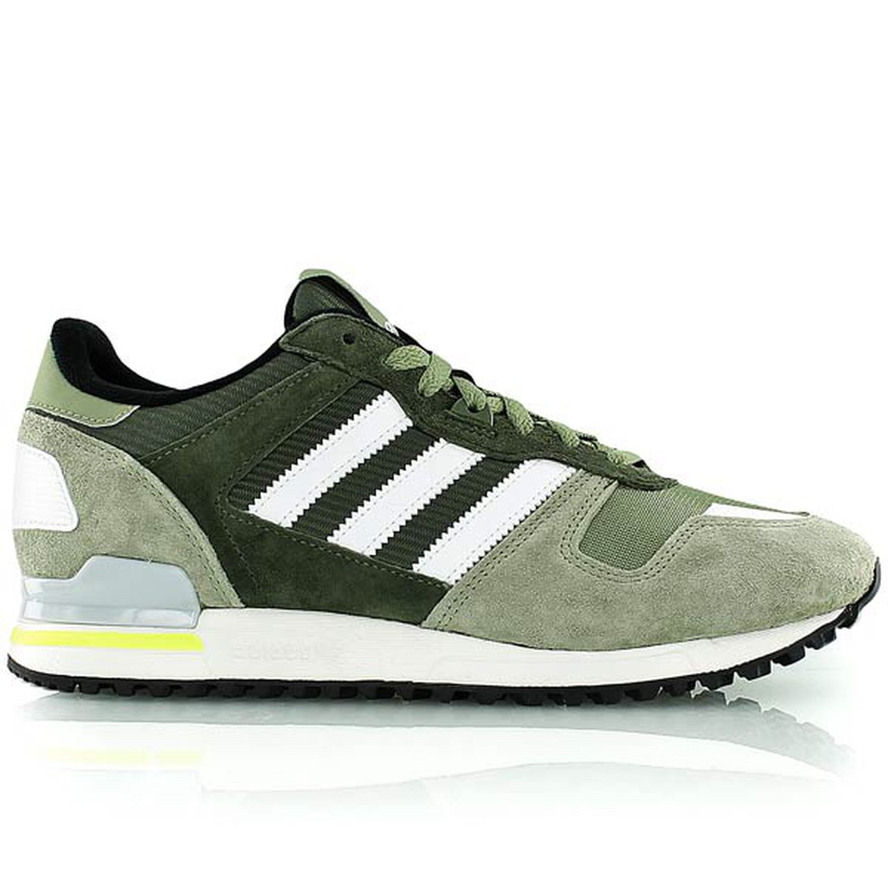 super popular 688ce 921cf Size 5, Adidas ZX 700 Green and White Trainers Worn a few - - Depop