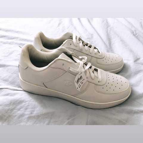 128ac0b791a MENS CHAMPIONS WHITE SNEAKERS SIZE  10 1 2 SKID RESISTANT - Depop