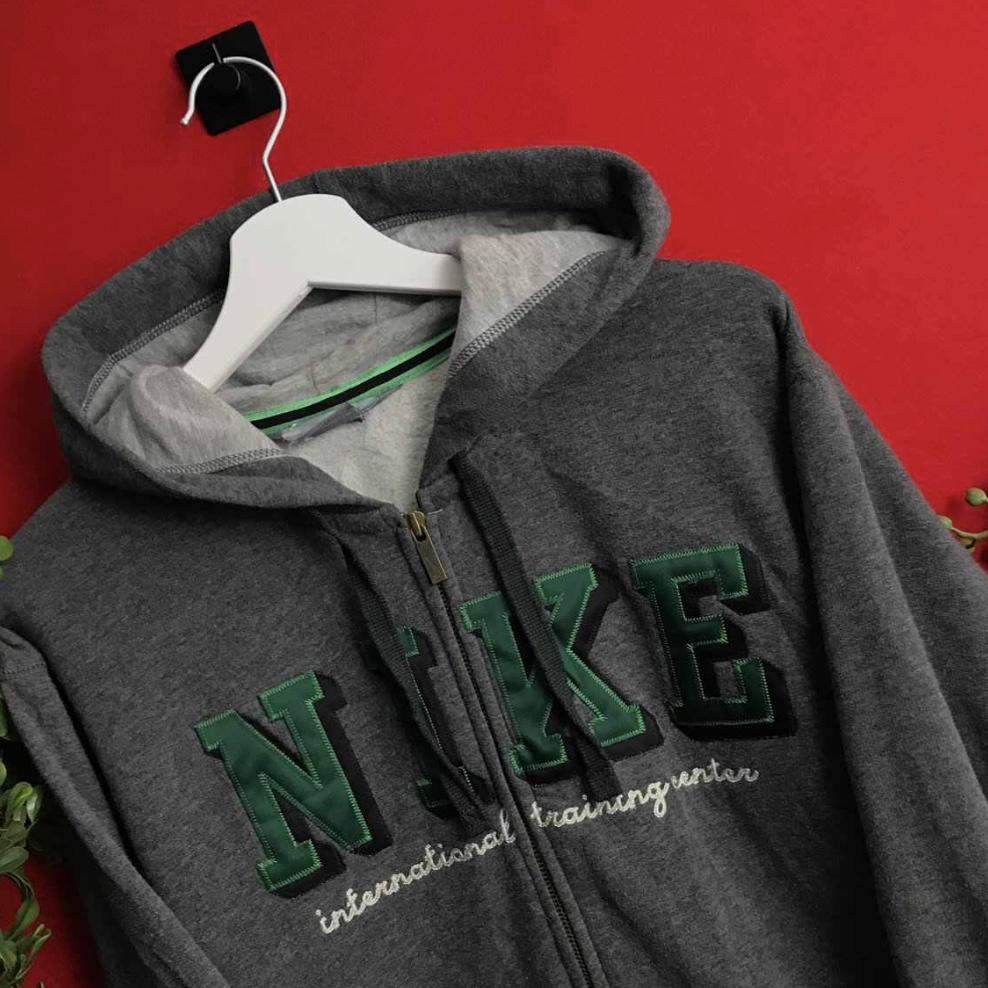 Charcoal grey #NIKE zip up hoodie with green logo, Depop