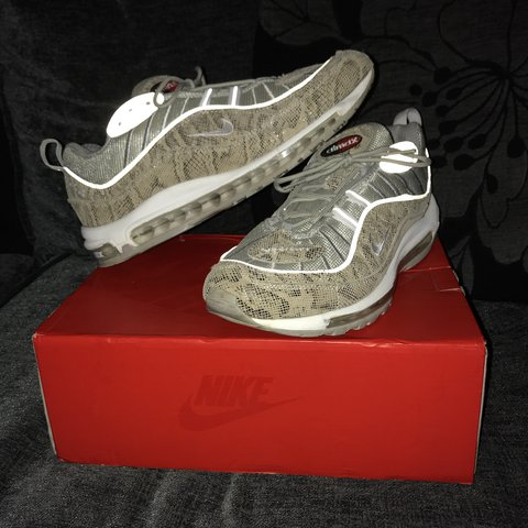 4aa5796fa2d4 Fake Nike air max 97 x supreme 8 10 due to two black marks - Depop