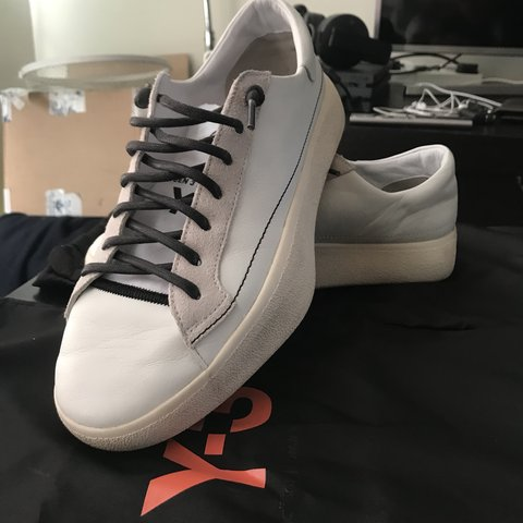 e22bc47db Men s White Y3 Tangutsu Lace Trainers - WORN ONLY box and - Depop