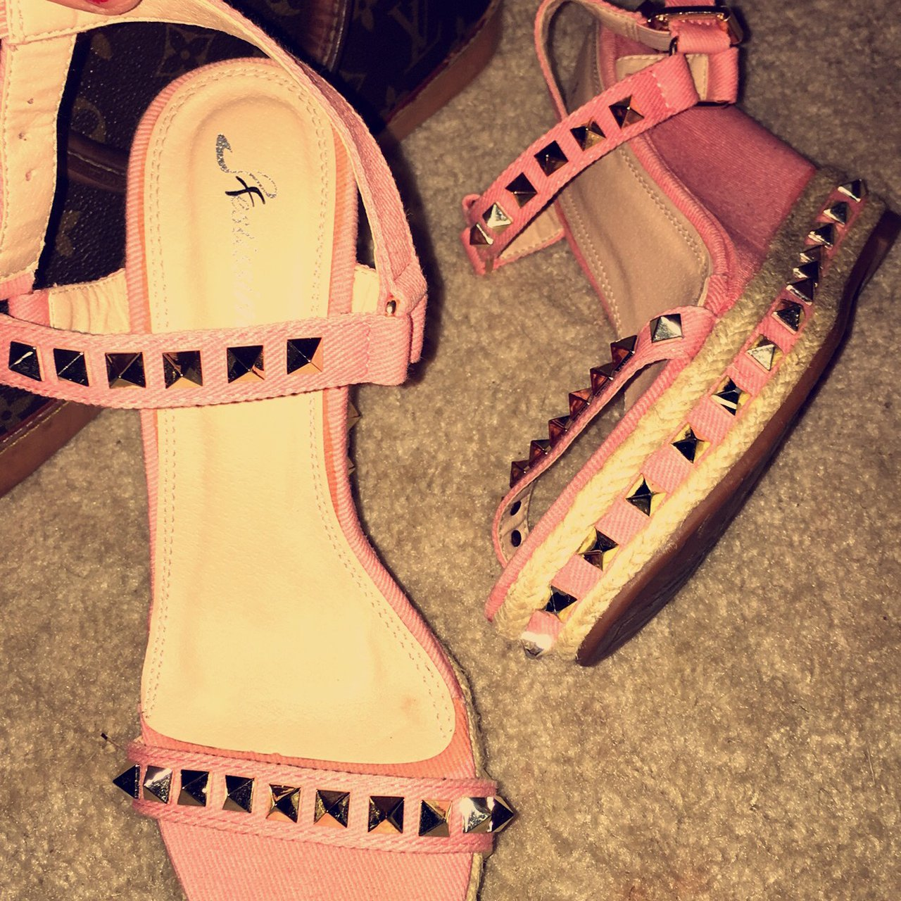 d15b2d9724a4 REDUCEDDDDD !! Baby Pink Valentino and gold stud Wedges 🍼 - Depop