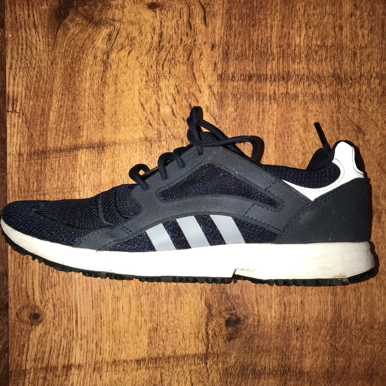 Retro Vintage Adidas Navy Blue Trainers in good...